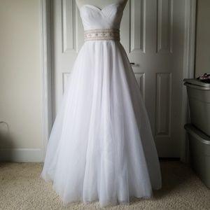 Oleg Cassini Wedding Dress Size 6 with Beaded Belt
